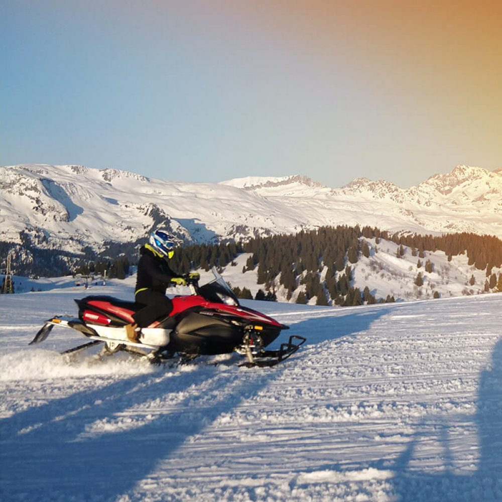 Snowmobiling annecy
